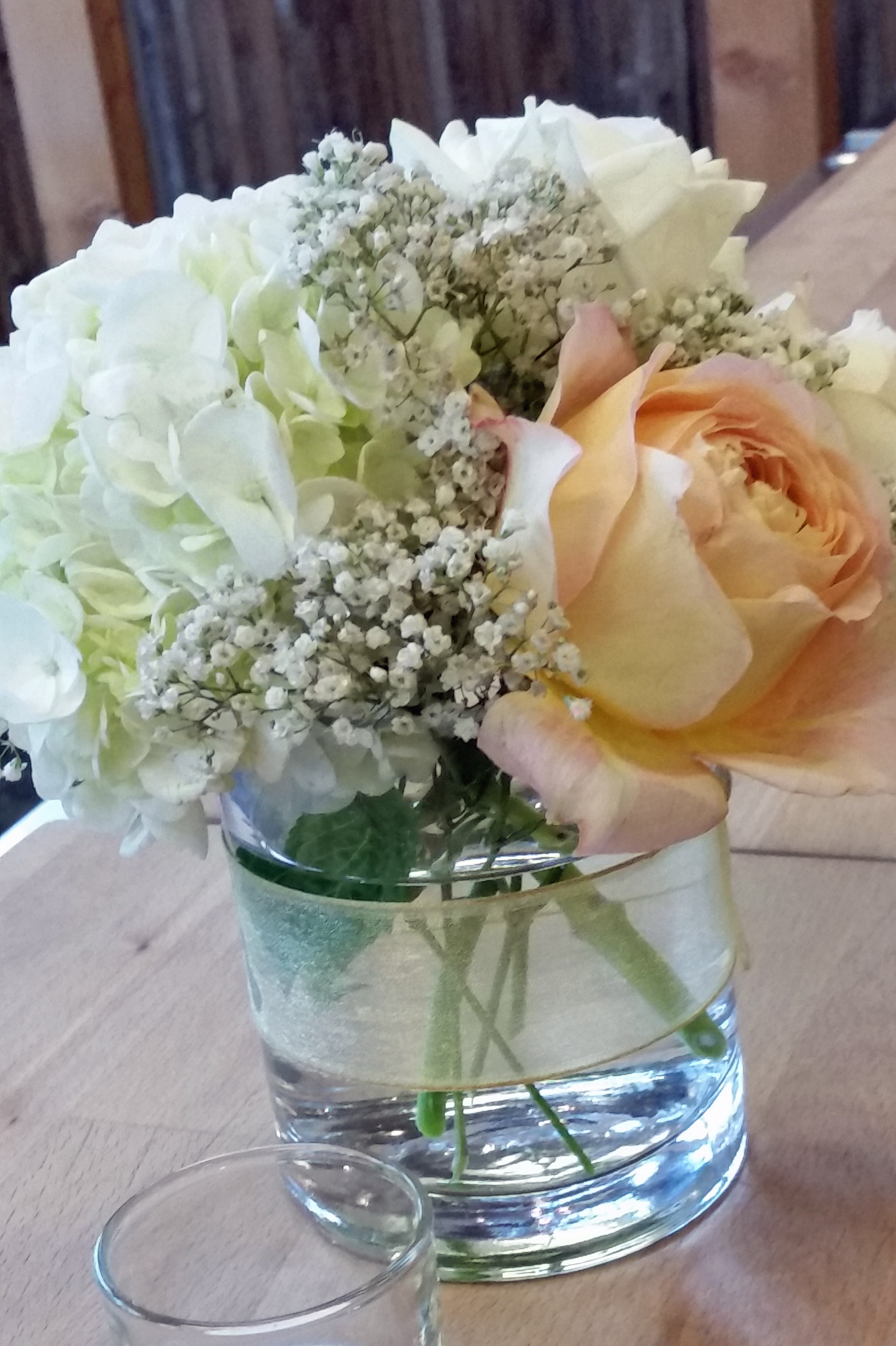 RF1244-Garden Rose and Hydrangea Centerpiece