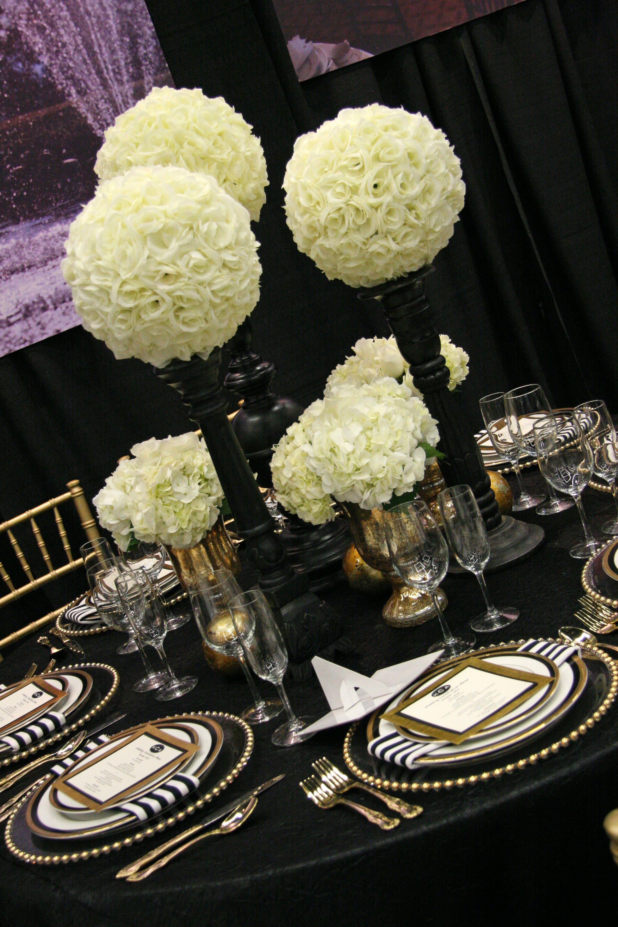 RF1074-White and Black, Elegant and Simple Tall Centerpiece