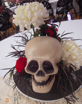 TE3525-Pirate themed floral arrangement