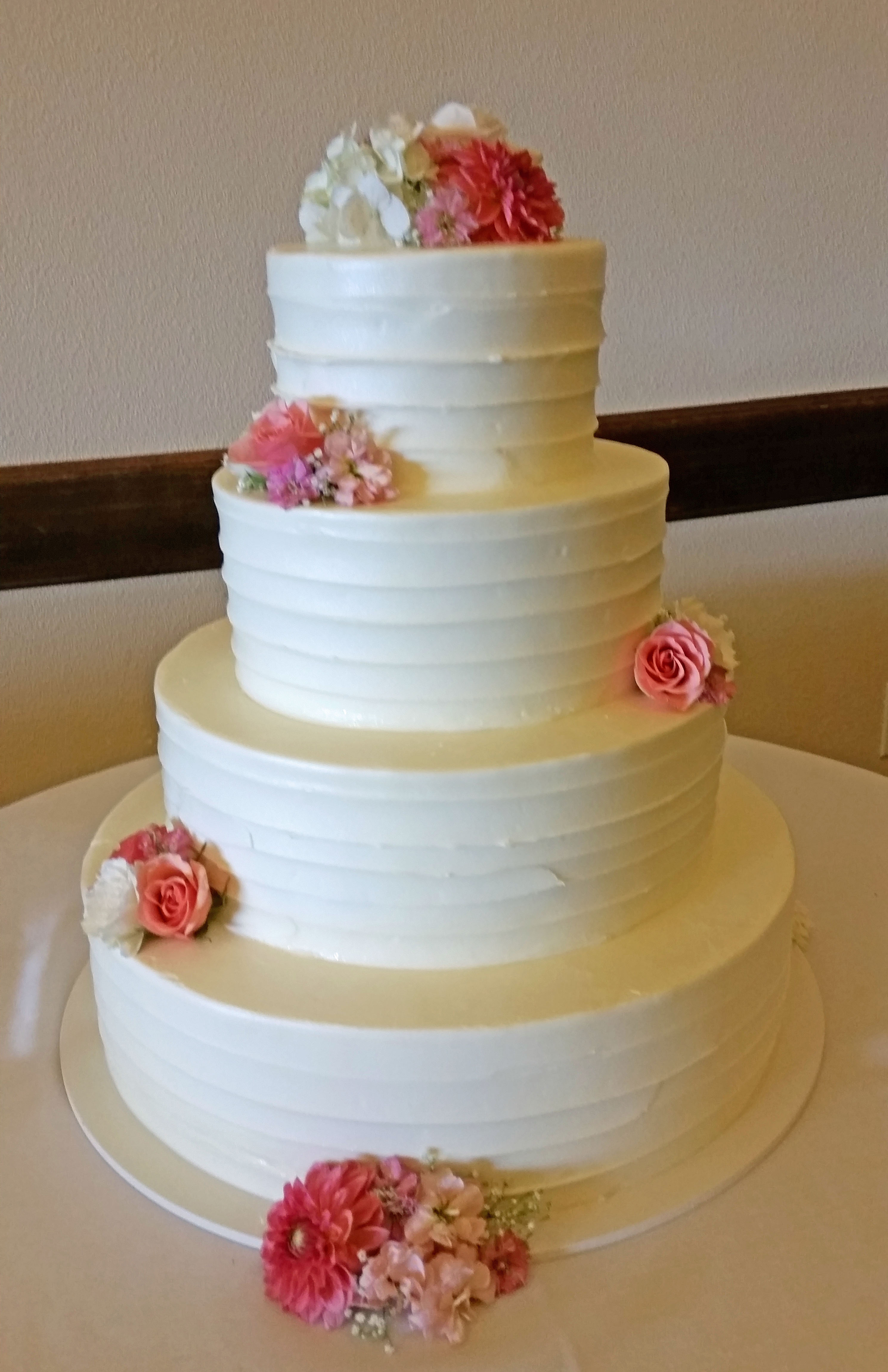CA0161-Wedding Cake with Coral Flowers