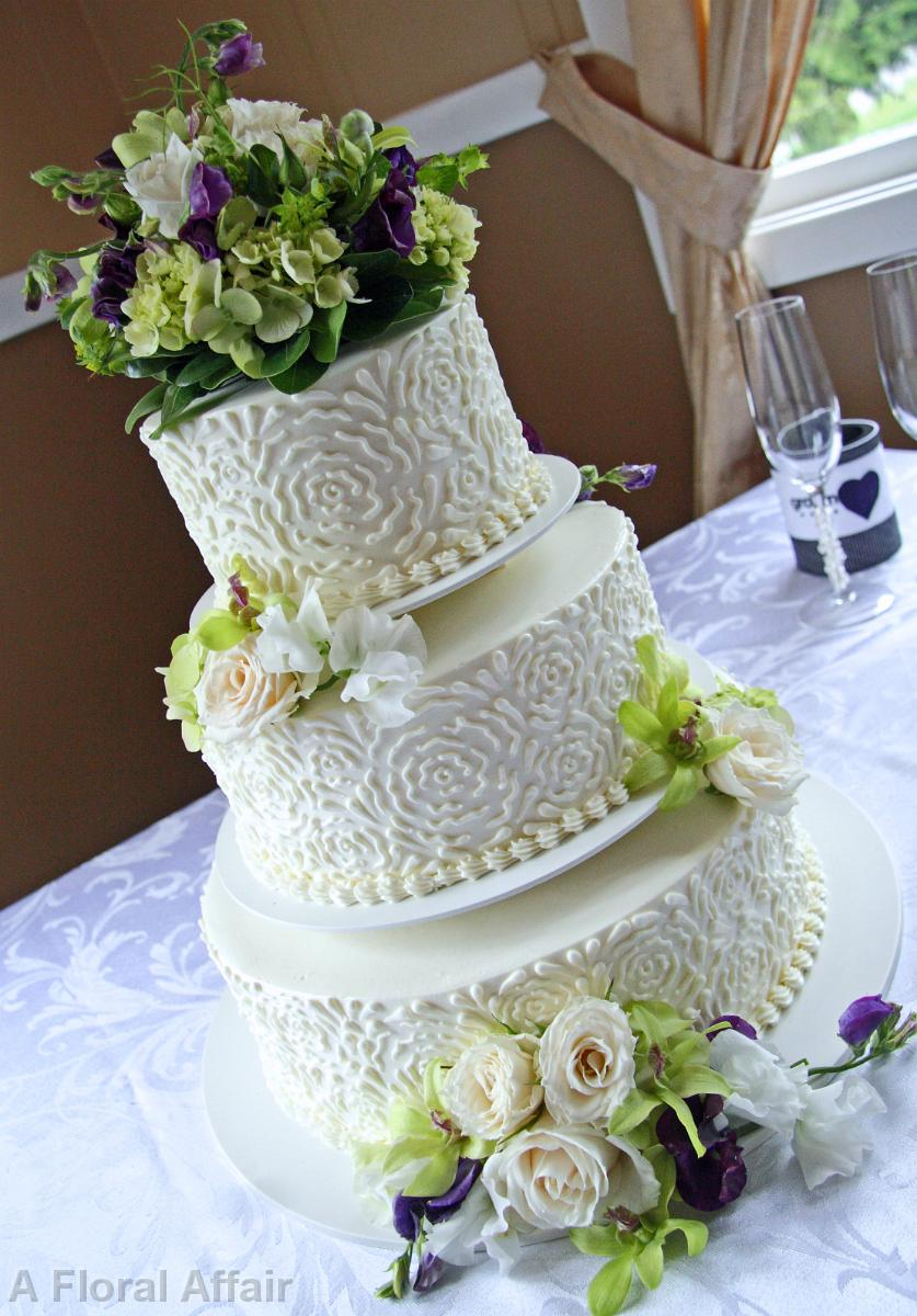green and purple wedding cakes wedding cakes ca0130 green and purple wedding cake flowers 14959