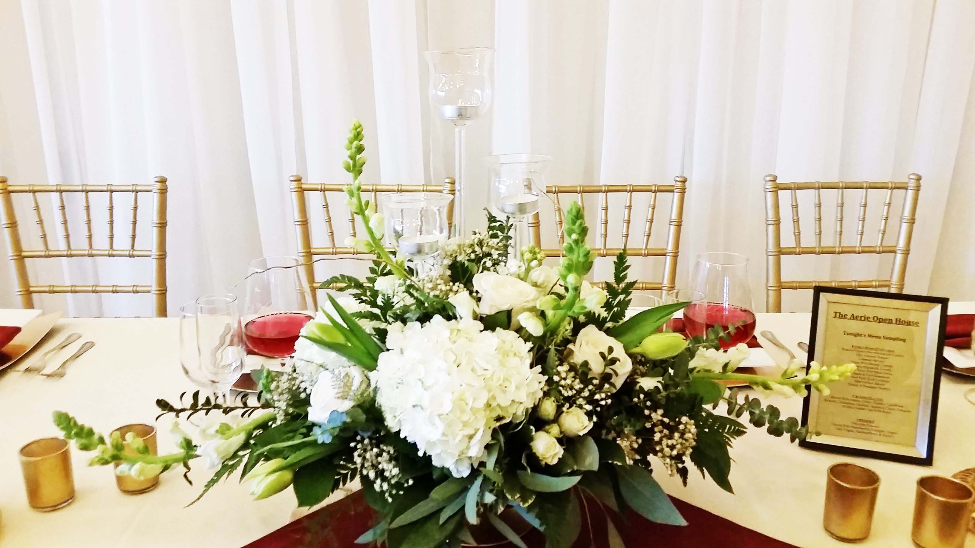 FT0727-White, Green and Gold Head Table Arrangement